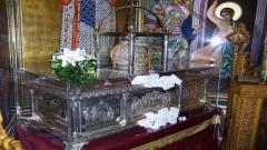 """Мощите на Св. Димитър в църквата """"Св. Димитър Мироточиви"""" в Солун."""
