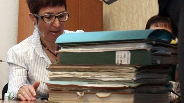 Екатерина Бончева, член на комисията към Народното събрание, придобила известност като Комисия по досиетата, по време на работа с архивите на бившата ДС.
