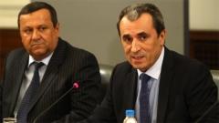 Премьер-министр Пламен Орешарски и министр труда и социальной политики Хасан Адемов объявляют меры, которые будет осуществлять правительство в социальной сфере