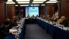 """""""Që të përparojë ekonomia dhe të jetë lokomotiva e shoqërisë sonë, duhet t'u jepet liri maksimale subjekteve ekonomike private që të zhvillojnë veprimtari ekonomike – tha ministri i ekonomisë dhe energjetikës Trajço Trajkov."""