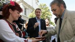 """""""Për herë të parë gjatë 20 viteve të fundit në Bullgari aplikohen standardet për ushqimet tradicionale."""" – theksoi zëvendësministri i bujqësisë Cvetan Dimitrov (djathtas)."""