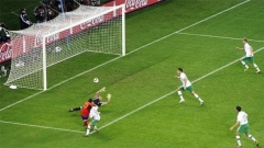 Situata e golit të futbollistit David Vilja, me të cilin Spanja mënjanoi Portugalinë në tetë finalet, është shembulli i radhës për arbitrim të dyshimtë, me të cilin do të mbahet mend Botërori në Republikën e Afrikës së Jugut