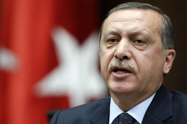 Турците да обърнат спестяванията си в долари и евро в